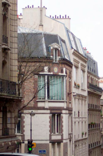 Lautrec's apartment building on Rue Caulaincourt today